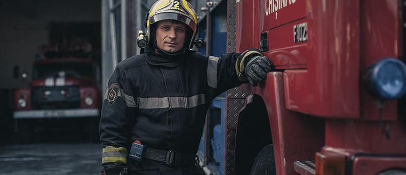 [:ru]Герои Hiboux: как обычный кишиневский пожарный исполнил свою мечту благодаря краудфандингу[:]